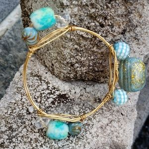 Jewelry - 🚨NEW LIST! Turquoise Stone And Bead Wire Bracelet
